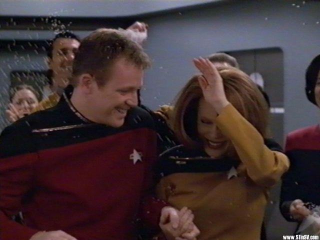 Tom i B`Elanna sretno vjencani. Ili ne................